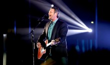 Blake Shelton performs onstage during the People's Choice Awards 2017 at Microsoft Theater on Jan. 18, 2017 in Los Angeles, California.